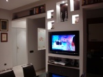 Vedere la tv con le luci d'effetto